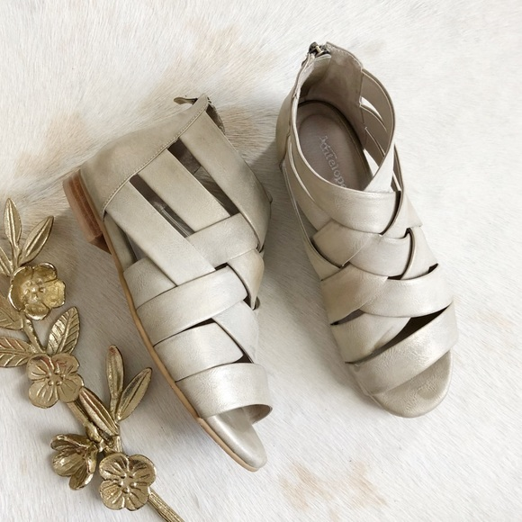 31446f0b3d1 Antelope Shoes - Antelope Brushed Gold Gladiator Sandal